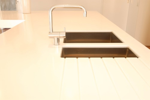 Hanex_undermount_sink_and_drainer