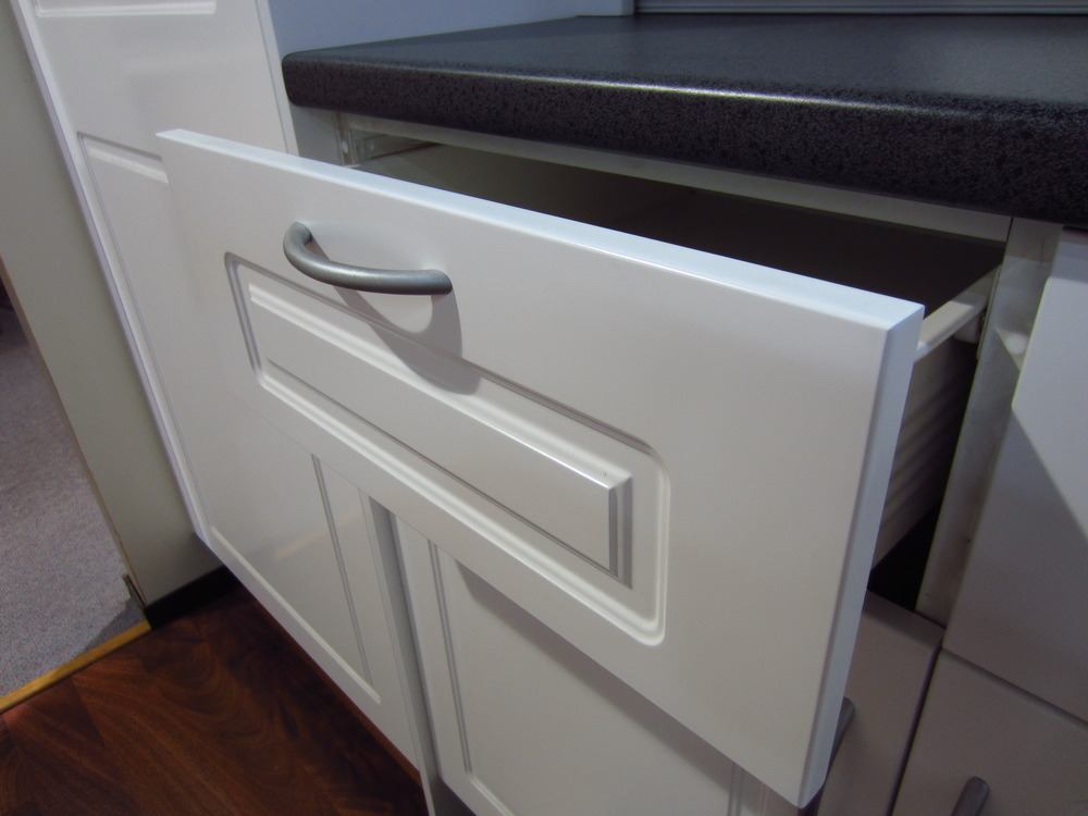 Simple and modern kitchen design - Cabinet Doors Options Made Simple Part 2 Creativ